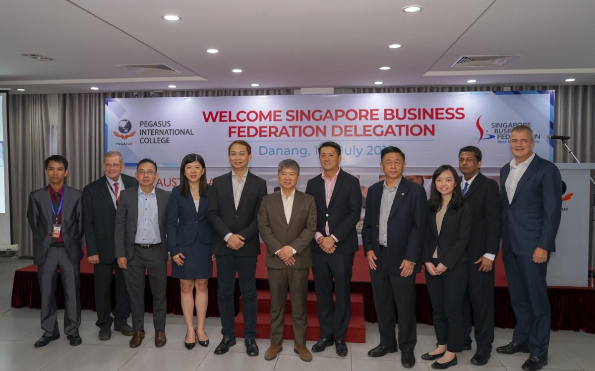 Chủ tịch tập đoàn Kinderworld cùng trường Pegasus đón tiếp đoàn lãnh đạo cấp cao các doanh nghiệp Singapore