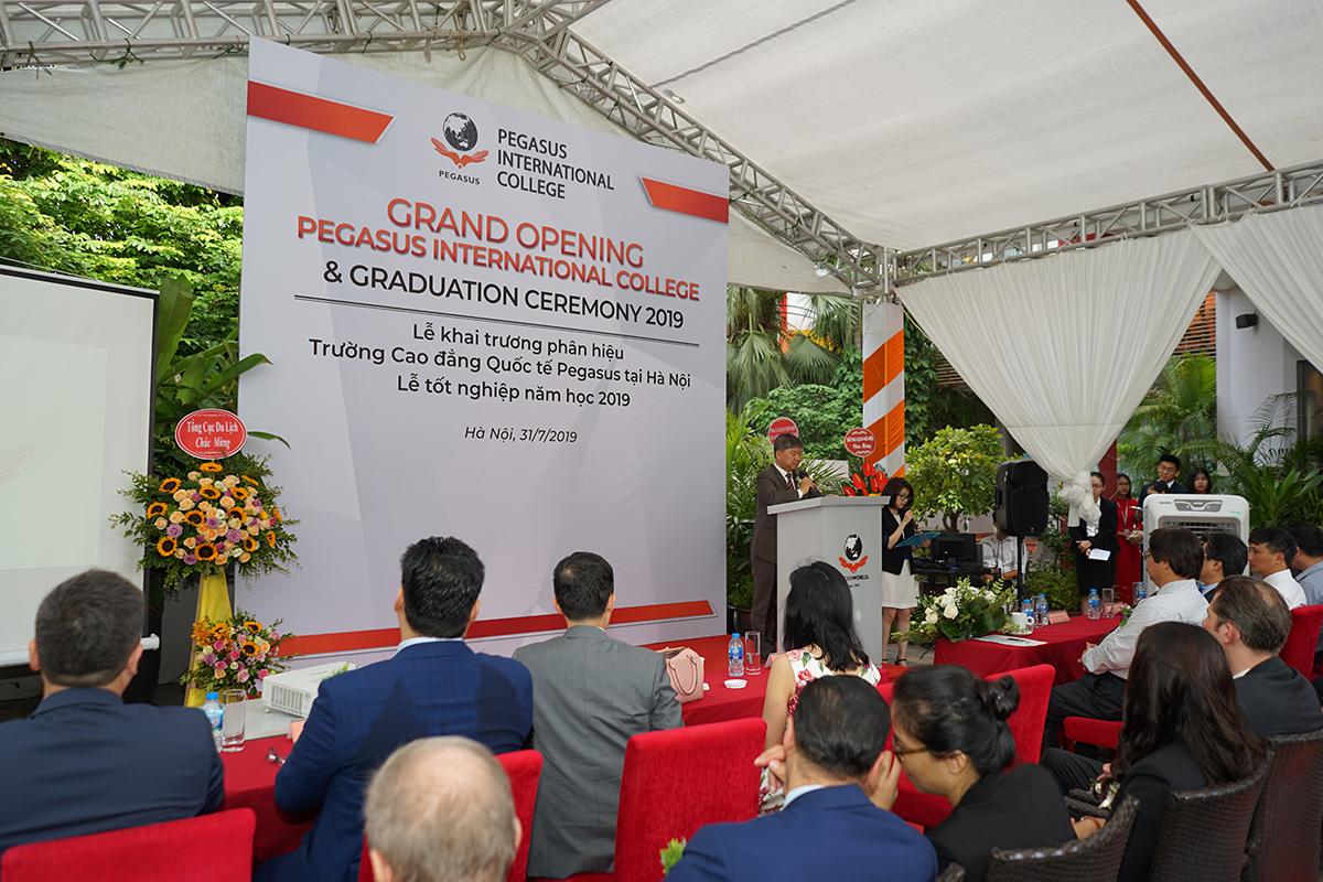 Ông Ricky Tan, Chủ tịch HĐQT CTCP Tư vấn và Đầu tư Pegasus phát biểu khai mạc