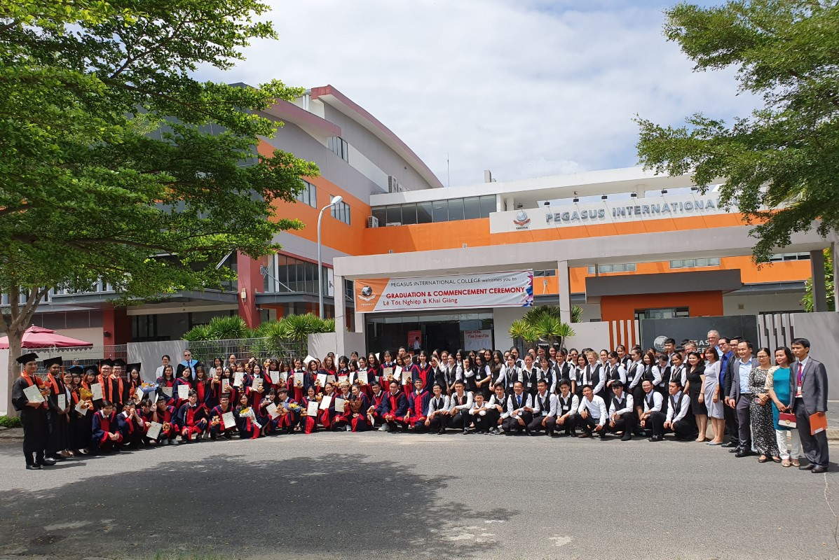 Lễ Tốt nghiệp năm học 2018 – 2019 và Lễ khai giảng năm học 2019 – 2020