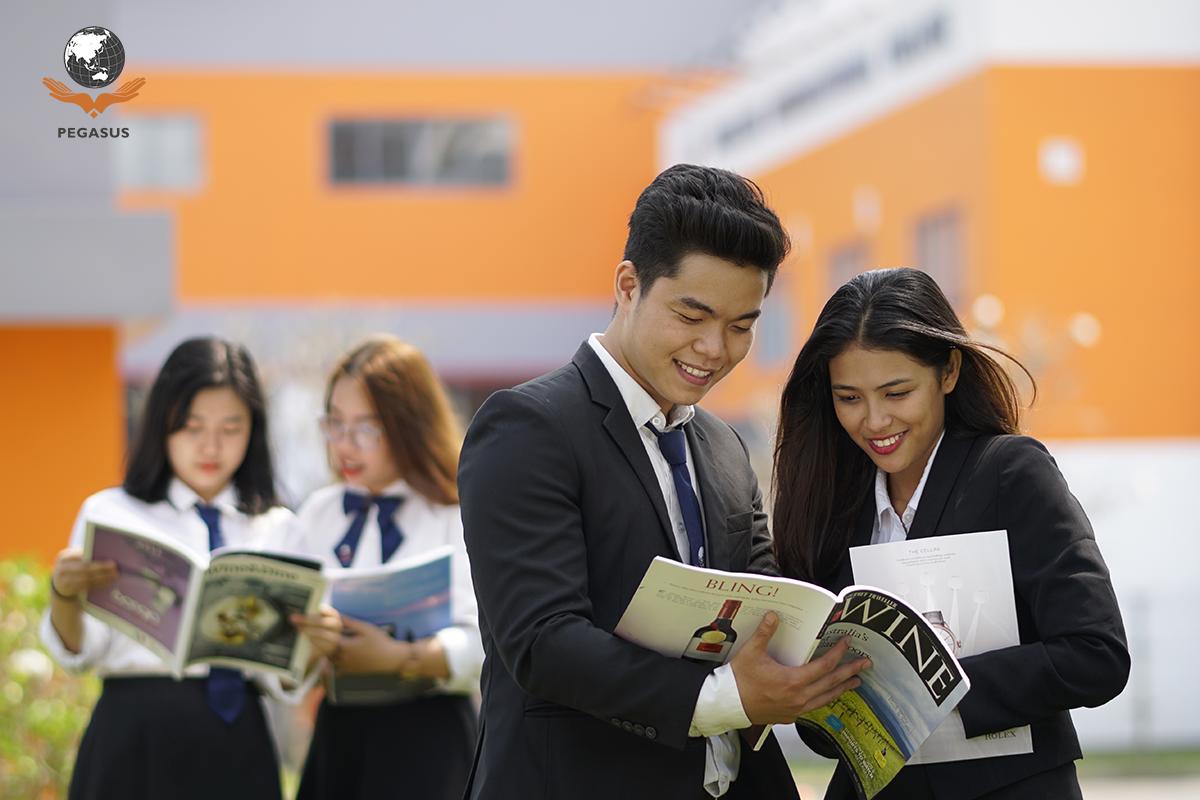 """Sinh viên đang theo học chương trình """"Quản trị Khách sạn"""" tại trường Cao đẳng Quốc tế Pegasus"""