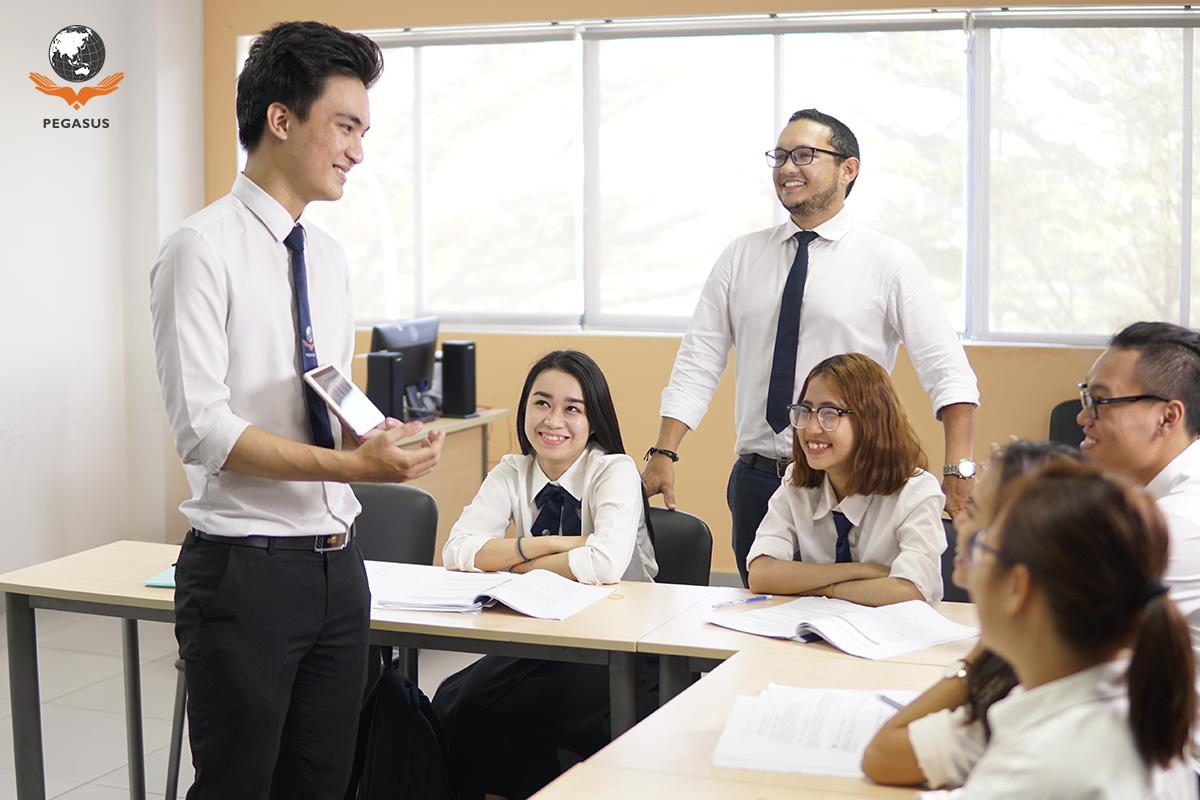 Sinh viên được học tập hoàn toàn bằng Tiếng Anh